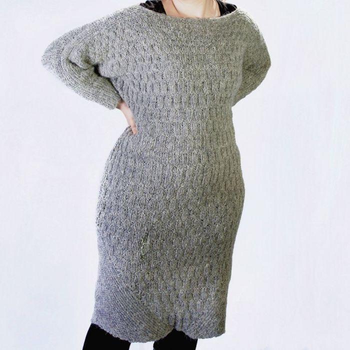 Suknia z owczej wełny - null