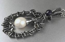 Srebrny wisiorek z perłą i szafirem Srebro