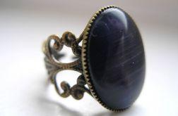 Filigranowy pierścionek - granatowe kocie oko