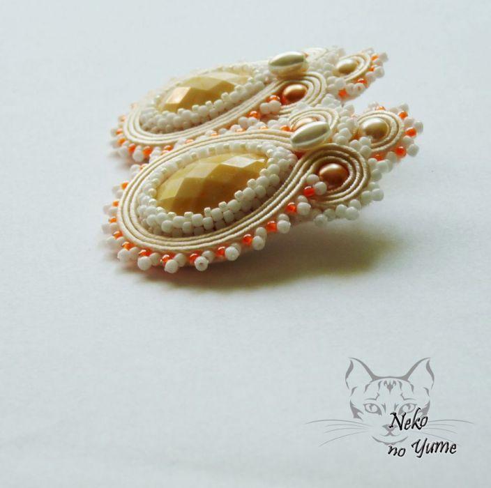 Vera - ślubne łososiowe kolczyki sutasz