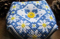 Igielnik poduszka biscornu stokrotki