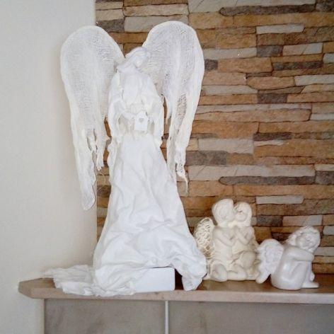 Anioł Stróż ogniska domowego - śnieżna biel