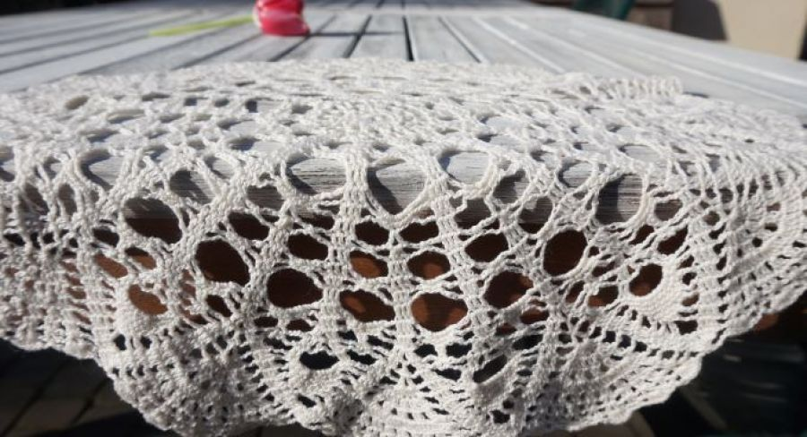 Serweta szydełkowana okrągła 34 cm kremowa