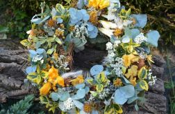wiosenny wianek z eukaliptusem