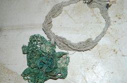 zielony lniany naszyjnik