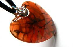Pomarańczowe serduszko, agat pajęczy, wisior