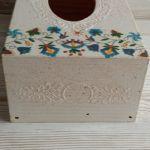 Pudełko na chusteczki z motywem kaszubskim - Reliefy ozdobna na bokach chustecznika