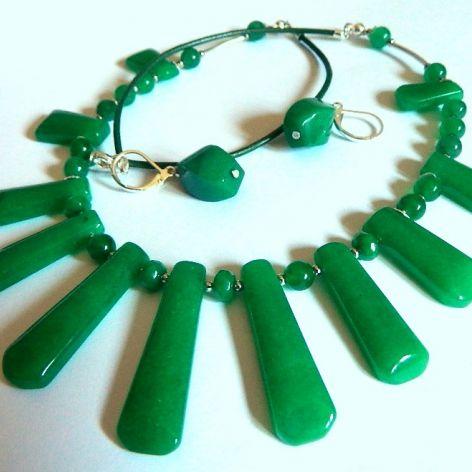Zielone jadeity, kolia i kolczyki, zestaw
