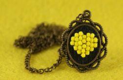 Naszyjnik haftowane żółte serce