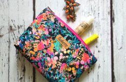 Kolorowa kosmetyczka w kwiaty