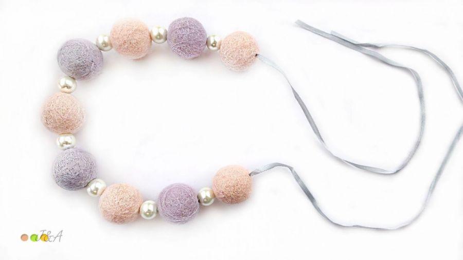 Korale z filcu różowo fioletowe pastelowe