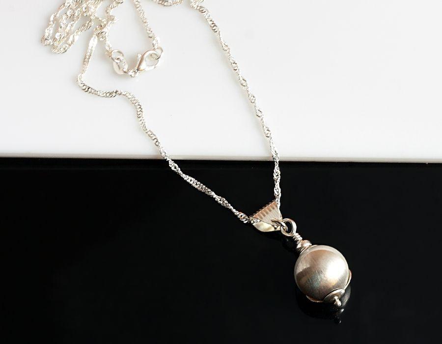 Perła w muszli - naszyjnik z perłą