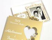 """Kartka z okazji 50 rocznicy ślubu ze zdjęciem """"Złote gody"""" w pudełku"""
