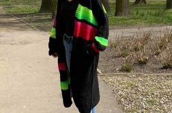 długi wełniany sweter