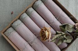 Zestaw serwet pudrowy róż z koronką