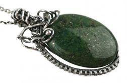 Srebrny wisiorek z zielonym jaspisem, Srebro