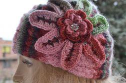 Kolorowa czapka z kwiatkiem