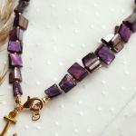Fioletowy naszyjnik z masą perłową  - Naszyjnik z zawieszką