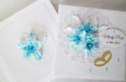 Kartka MŁODEJ PARZE z błękitnymi kwiatami