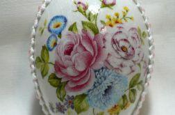 Jajko z bukietem kwiatów (01)