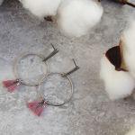 Lili 6 - delikatne koła z małymi frędzlami - kolczyki na wiosnę
