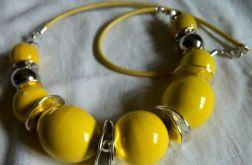 Żółta porcelana w srebrnej oprawie