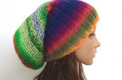 długa kolorowa czapka