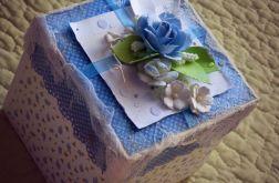 Pudełko dla dziecka z okazji urodzin.