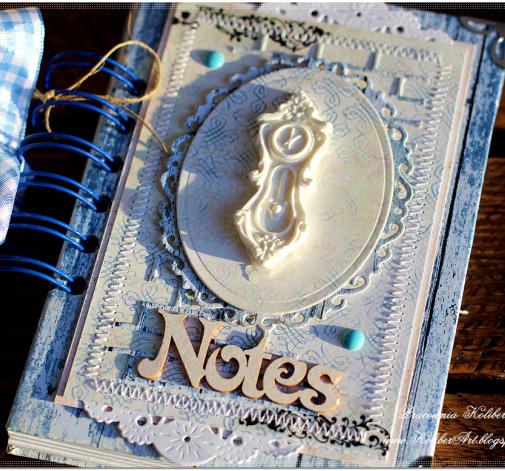 Mały kieszonkowy notes z zegarem