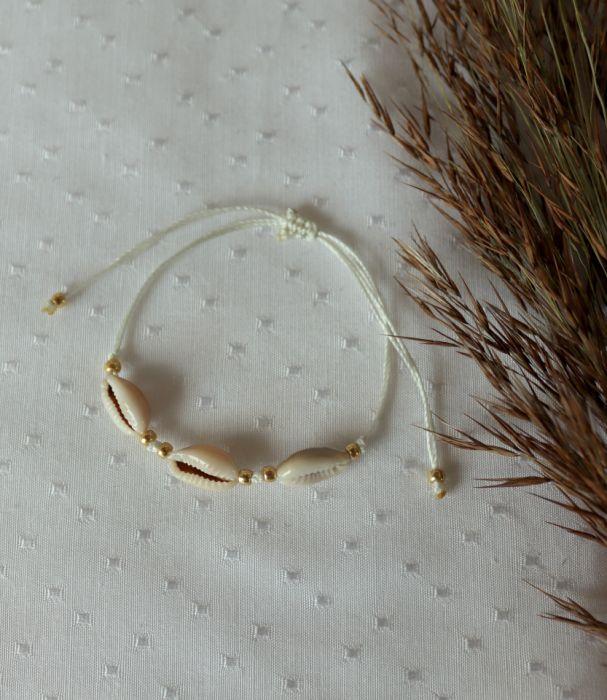 Bransoletka z trzema muszelkami kauri - Bransoletka z muszelkami na rękę