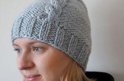 Zimowa czapka damska warkocz