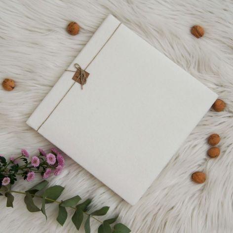 Welurowy, kremowy album tradycyjny
