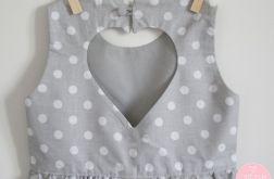 Sukienka z serduszkiem na plecach