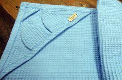 Niebieski ręcznik z kapturkiem, ręcznik waflowy,otulacz