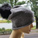 Klasyczna czapka z pomponem - modna czapka