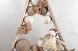 Drewniana choinka z palet Hand Made ze skrzatem LED