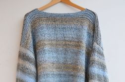 Beż i niebieski sweter oversize