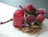 Czerwień jabłek i świecy z cynamonowo-malinową nutą