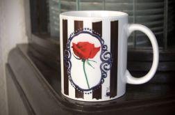 Kubek z czerwoną różą, retro, gothic, vintage