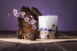 Dla Mamy-świeca z naturalnymi kwiatami-wiosna