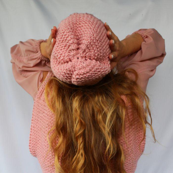 czapka pudrowy róż - góra czapki