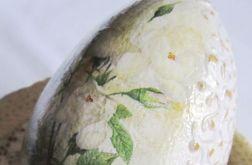kwiatowe jajo z reliefem