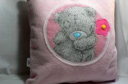 """Poduszka """"Miś z różowym kwiatkiem"""""""