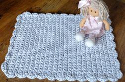 Szydełkowy dywanik shabby jasnoszary