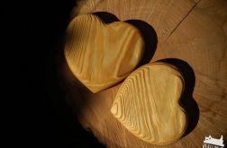 Drewniane podkładki pod kubki serca