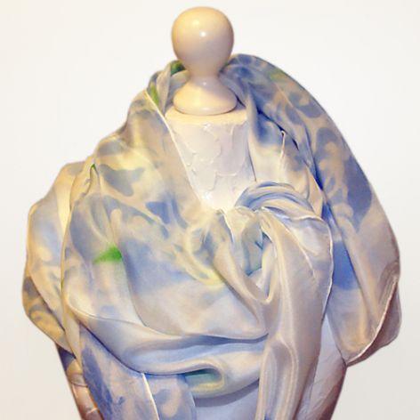 Obszerny jedwabny szal ręcznie malowany