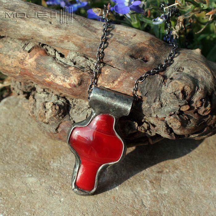 Krzyż w purpurze - czerwony krzyżyk
