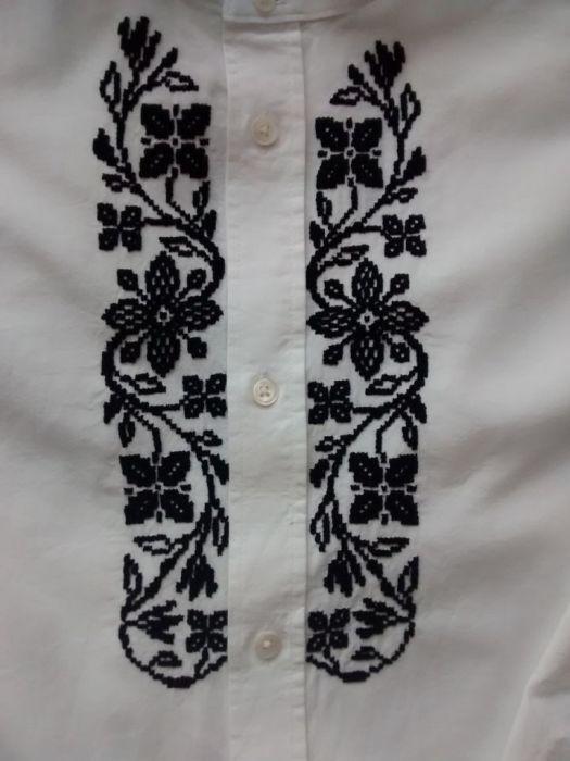 Haftowana koszula ze stójką
