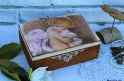 Kuferek z aniołem, prezent