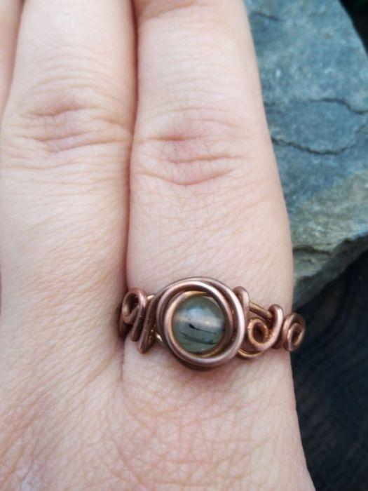 Miedziany pierścionek z prehnitem - rozmiar 18 - prehnit